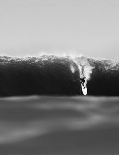 highenoughtoseethesea: Dropping at big Mavs. Photo: Todd Glaser