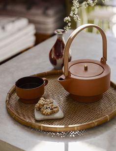 Inspired by Classic Greek and Egyptian Vases – Skagerak Edge Terracotta Teapot Design by Stilleben Terracotta, Teapot Design, Cup Design, Design Shop, Keramik Design, Kitchenware, Tableware, Tea Culture, Tea Brands