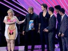 """Rebel Wilson at the VMA's about The Wanted: """"They said whichever one I wanted...They're all so handsome, aren't they? Can you hold my chips?"""""""