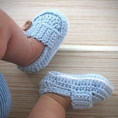 Items similar to Baby Booties (Marcus) - Size 3 in Blue on EtsyBaby Knitting Patterns Slippers Baby Shoes (gift sets available now!No pattern - pinned for reference LOVE- Crocheted baby shoes (same as the brown and blue ones in a different pic)Croche Booties Crochet, Crochet Baby Shoes, Crochet Baby Clothes, Crochet For Boys, Crochet Slippers, Cute Crochet, Crochet Crafts, Crochet Projects, Knitted Baby