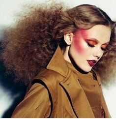 the outer limits frida gustavsson, patricia van der vliet, lindsey wixson, jacquelyn jablonski & emily baker theo wenner ondine azoulay self service spring-summer 2012 9 70s Hair And Makeup, Glam Rock Makeup, 1980s Makeup, 80s Hair, Beauty Make-up, Beauty Book, Beauty Shots, Editorial Hair, Beauty Editorial