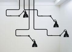 Pensée avant d'être dessinée, la Lampe GRAS est la première lampe articulée. D'abord conçue pour être une lampe de travail,..