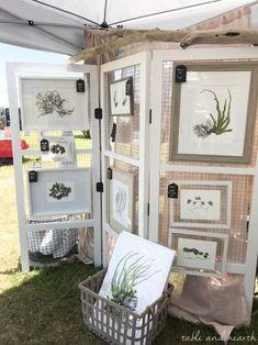 Craft Stall Display, Craft Show Booths, Craft Booth Displays, Booth Decor, Frame Display, Craft Show Booth Display Ideas Layout, Craft Show Table, Sign Display, Display Design