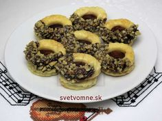 Nadýchané lepené vianočné pečivo. Bagel, Doughnut, Muffin, Bread, Breakfast, Food, Christmas, Basket, Haha