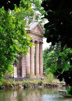 Villa Borghese  Rome. Temple d'Esculape, Lazio