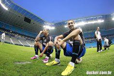 Barcos e Vargas antes de treino do Grêmio - Ducker.com.br