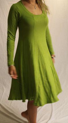 Traumkleid Jersey Kleid Damen maigruen einfarbig von Mother Earth auf DaWanda.com