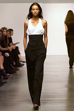 Calvin Klein Collection Spring 2002 Ready-to-Wear Fashion Show - Liya Kebede, Calvin Klein World Of Fashion, Fashion Brands, Fashion Show, Fashion Design, Liya Kebede, Calvin Klein Collection, Classic Chic, Ready To Wear, Runway