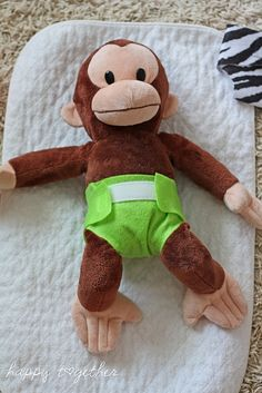 doll diapers made from felt. Might have to make some of these for peyton since she will be seeing me cloth diaper her little brother :)