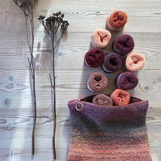 Knit and stripes #naturaldye #wool #garn #yarn #knitting #knit #plantefarvning #plantdye #plantdyes #naturaldyes #strik #knit • pikore.co Chunky Wool, Yarn Ball, Indigo Dye, Ten, Knit Crochet, Crochet Necklace, Fiber, Tie Dye, Stripes