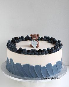 Pretty Birthday Cakes, Cute Birthday Cakes, Pretty Cakes, Cute Cakes, Korea Cake, Housewarming Cake, Chocolate Drip Cake, Rainbow Food, Birthday Cake Decorating