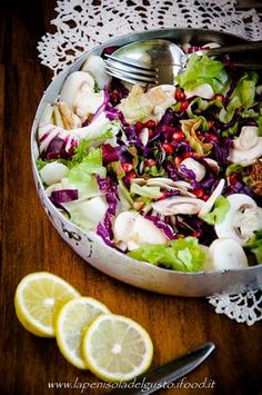 INSALATA AUTUNNALE pere, melagrane, funghi, insalata, cavolo rosso e radicchio GLI INGREDIENTI DELLA SALUTE CON GUSTO!