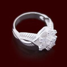 The Ring Arwen wears during The Lord of the Rings....how I would love to have this ring.