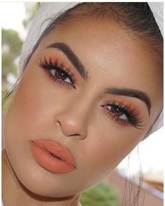 @ ariellevldmakeup - 100% inspired by @makeupbyariel ✨ Brows @anastasiabeverlyhills Brow Powder in Ebony and Clear Brow Gel to set Face @hourglasscosmetics Vanish Stick Foundation, @sigmabeauty Aura Powder Nymphea, @anastasiabeverlyhills So Hollywood Illuminator Lips @kyliecosmetics Dirty Peach Eyes @morphebrushes 35O Palette, @sigmabeauty Aura Powder in Pet (transition) Lashes @shophudabeauty @hudabeauty Sasha Lashes