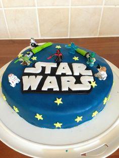 Gateau Stars Wars Anniversaire Star Wars, Birthday Cupcakes, Kids And Parenting, Cupcake Cakes, Birthdays, Stars, Party, Desserts, Layer Cakes