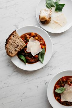 Roasted Bone Broth Tomato and Bean Soup with Sourdough Bread | Renée Kemps, April 2016