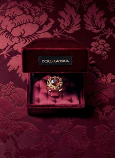 Baroque earrings, necklaces, rings and bracelets with cameo - D&G Jewellery | Jewellery Dolce&Gabbana