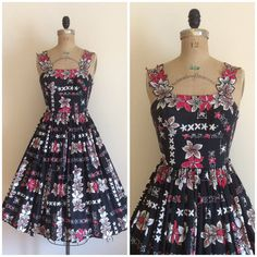 Vintage 50s Hawaiian dress. Cotton fabric. Metal back zipper. Smocked sides. Amazing straps & print!    *pictured with a crinoline! not