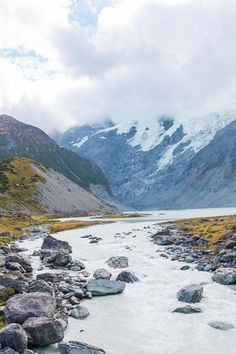 Hiking the Hooker Valley Track in Mount Cook National Park
