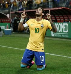 Brazil's forward Neymar celebrates after scoring against Paraguay during their 2018 FIFA World Cup qualifier football match in Sao Paulo, Brazil on March 28, 2017. / AFP PHOTO / Miguel SCHINCARIOL