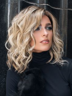 Mila by Jon Renau The Mila Wig by Jon Renau has barely tamed open waves to create a look that combin Pretty Hairstyles, Bob Hairstyles, Hairstyles For Medium Length Hair, Wavy Bob Haircuts, Modern Haircuts, School Hairstyles, Hairdos, Braided Hairstyles, Wedding Hairstyles