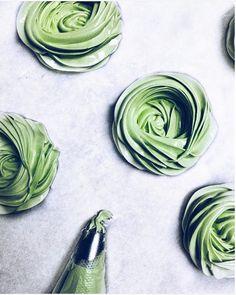 Matcha Green Tea Pavlova