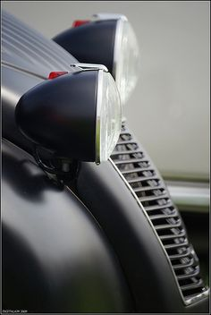 Liking the idea of a matte black finish on a 2CV.           Image by DIGITALAIN