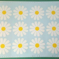 Large daisy decal, flower decor, flower wall decal, floral decal ...