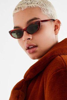 9e34235a501b Urban Outfitters Cat-Eye Sunglasses. Oculos ...