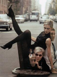 Andy Warhol, Edie Sedgwick & Chuck Wein by Burt Glinn, 1965 Patti Smith, Andy Warhol, Just Kids, Poor Little Rich Girl, Edie Sedgwick, Studio 54, Arte Pop, Superstar, Pop Art