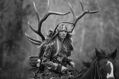 - Photo Shoot with a Elk Hunter (named Harlee) Challenges Photographer's Views On Hunting Hunting Girls, Elk Hunting, Photos Of The Week, Great Photos, Taking Pictures, Senior Pictures, Senior Pics, Senior Year, Outdoor Pictures