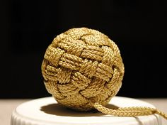 Face Globe Knot Tutorial for making decorative balls. (Not exactly Temari)