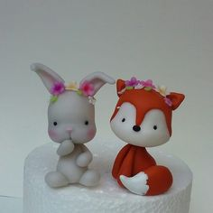 Clay Crafts, Felt Crafts, Clay Figurine, Fondant Toppers, Decorated Jars, Clay Animals, Pasta Flexible, Cake Decorating Tips, Fancy Cakes