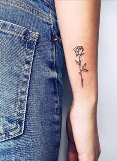 tiny tattoos for women ; tiny tattoos with meaning ; tiny tattoos for women with meaning ; tiny tattoos for women simple Cute Little Tattoos, Tiny Tattoos For Girls, Small Tattoos With Meaning, Small Meaningful Tattoos, Cute Small Tattoos, Small Tattoo Designs, Tattoo Designs For Women, Mini Tattoos, Tattoo Girls