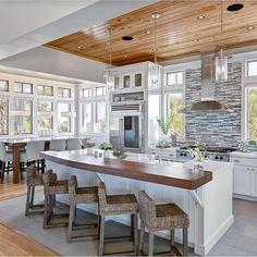 #interiordesign #homedesign #homedecor #housedesign #housedecor #home #decoration #decoración #decostyle #decoideas #kitchendesign #openconcept #naturallight #diseñodecasas #diseñodeinteriores #diseñodecocinas #inspirationdesign #ideas