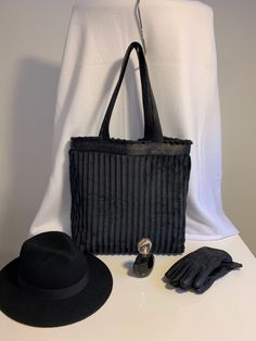 The perfect Christmas gift - The Midnight Velvet Tote Bag!🖤 Soft and mysterious... and also practical🖤 Visit webpage to order: carryandconquer.com 690,- NOK or 69,- € #newbag from @carry_and_conquer_bags #design #norsk #håndlaget #custommade #handmade #black #blackvelvet #totebag Unique Christmas Gifts, New Bag, Design Your Own, Black Velvet, Mysterious, Carry On, Artisan, Shoulder Bag, Tote Bag