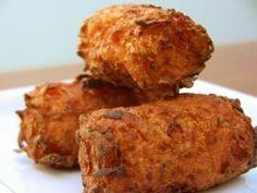 Sweet potato tater tots recipe... Maybe I can make it into a paleo version