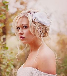White wedding hair piece by Flora Bond   Jaclyn Davis Photography #wedding #hair
