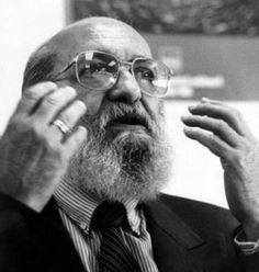 Paulo Freire patrono da educacao Brasileira (Acervo digital disponibiliza toda a obra de Paulo Freire) Thinking Skills, Critical Thinking, Problem Solving Model, Social Practice, Education System, Social Change, Interesting Reads, Oppression, Coaching
