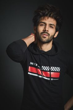Becomes First Brand Ambassador Of This Apparel Line On completing 20 years Mufti signs Kartik to endorse its brand. Bollywood Images, Bollywood Couples, Bollywood Stars, Cute Actors, Handsome Actors, Handsome Boys, Handsome Male Models, Handsome Faces, Cute Celebrities