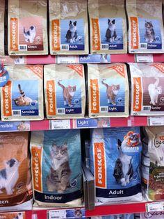 Kattenvoer, van ca. 6 verschillende merken. Alles wat u nodig heeft voor uw kat vindt u in ons DierenRijk http://www.groenrijkdronten.nl