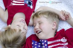 Sibling photo ideas, 4th of July photos, USA, Happy kids, Photo Ideas, Bubble Toes Photography by Melissa Jones