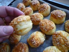 PAGÁČE - len tak k vínečku (fotorecept) Naan Flatbread, 20 Min, Croissant, Pretzel Bites, Baked Potato, Biscuits, Muffin, Food And Drink, Appetizers