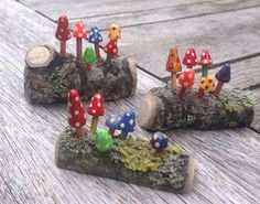 Very cute tiny handmade toadstools mounted on one real piece of wood. Very detai - Very cute tiny handmade toadstools mounted on one real piece of wood. Very detai - Fairy Garden Furniture, Fairy Garden Houses, Garden Boxes, Mini Fairy Garden, Garden Cottage, Pot Plante, Fairy Garden Accessories, Fairy Doors, Miniature Fairy Gardens