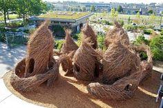 Patrick Dougherty,  http://www.upsocl.com/creatividad/majestuosas-esculturas-creadas-a-partir-de-arboles/