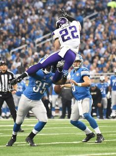 Vikings' Harrison Smith (22) goes airborne and is blocked