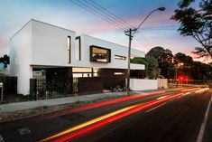 Robeson Architects have designed the Mount Lawley House, located in Perth, Australia. The architect's description: Built on a 180 sqm triangular shaped Grand Designs Australia, Perth Australia, Triangle House, Residential Architect, Interior Exterior, Interior Design, Clever Design, Better Homes And Gardens, Arquitetura