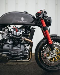 look of our anniversary edition Carbon! The Carbon is a fullly custom made café racer, designed by on a… Cafe Bike, Cafe Racer Bikes, Cafe Racer Motorcycle, Motorcycle Design, Motorcycle Gear, Vintage Cafe Racer, Custom Cafe Racer, Cx500 Cafe Racer, Scrambler