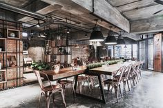 Industrial Design Cafe & Restaurant Taichung Taiwan Interior Designer: Mr. Danny Lan E-Tai Interior Design & 12 LOFT