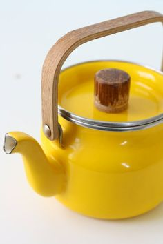 Retro Yellow Teapot by bellalulu on Etsy Yellow Teapot, Chocolate Pots, Shades Of Yellow, Lemon Yellow, Happy Colors, Mellow Yellow, Bright Yellow, Retro, My Favorite Color